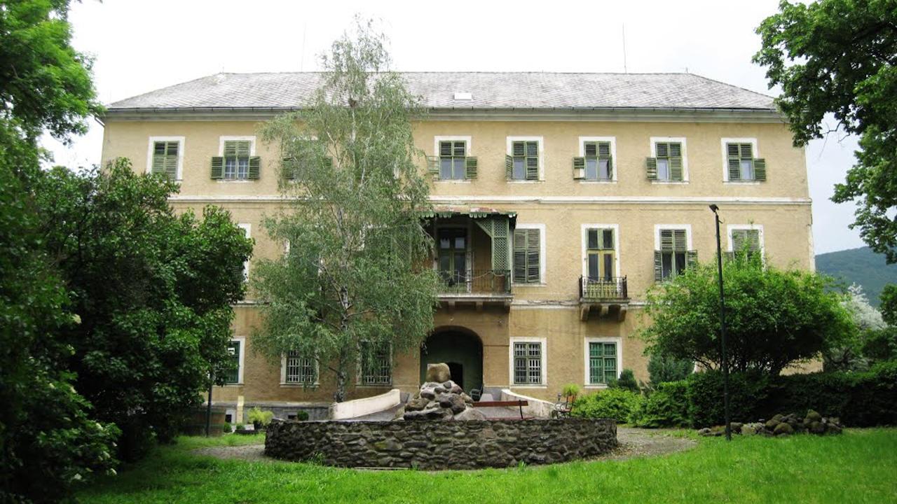 Zempléni látnivalók, Esterházy kastély